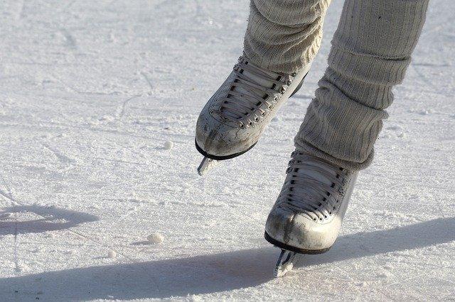 łyżwy lodowisko zima